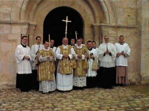 L'abbé Coiffet fêtant ses 25 ans de sacerdoce à Saint-Martin de Bréthencourt